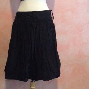 GUC black puffy skirt